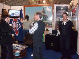 <em>En la imagen puede observarse el stand presentado en la Feria, a cargo de la Prof. Carmen Nicodemo, Jefe de Exposiciones del Servicio de Hidrografía Naval.<br>Pabellón 6 STAND C-67</em>
