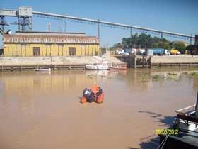 <EM>El bote neumático con el cual se realizaron las tareas hidrográficas</EM>
