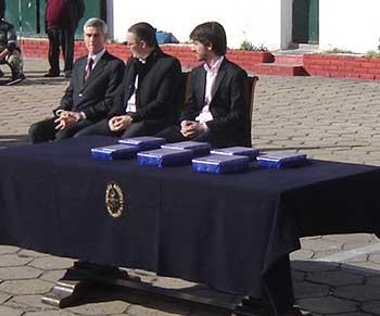 <em>De izquierda a derecha: Director del SHN, Lic. Santiago Rodríguez y Lic. Leandro Navarro.</em>