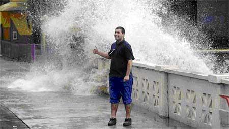Costanera Norte de la Ciudad de Buenos Aires. Las olas del río superaron las barandas. Gustavo Castaing