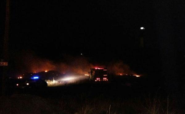Incendio en las cercanías al Faro Quequén.