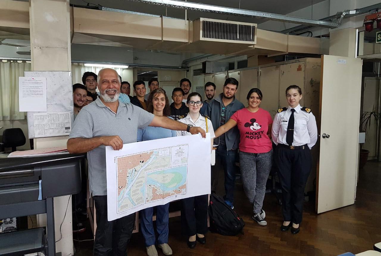 Estudiantes de Ingeniería Naval de la UTN y UBA